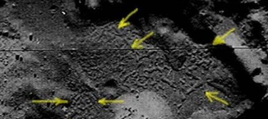Moon Photos Show Signs of Alien Life