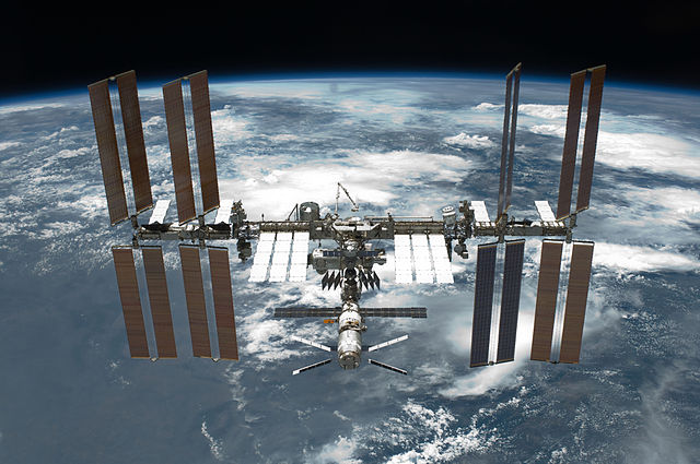 _International_Space_Station_after_undocking with ufo