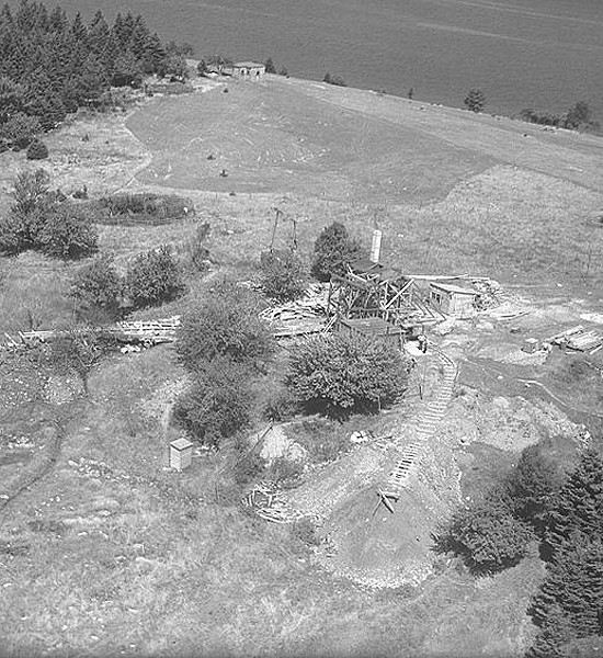 oak-island-pit-unsolved-historical-mysteries