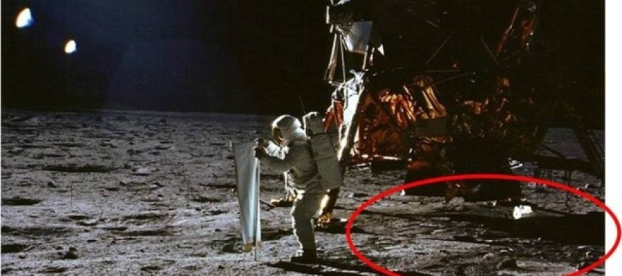 Top 5 Reasons the Moon Landings Could Be a Hoax