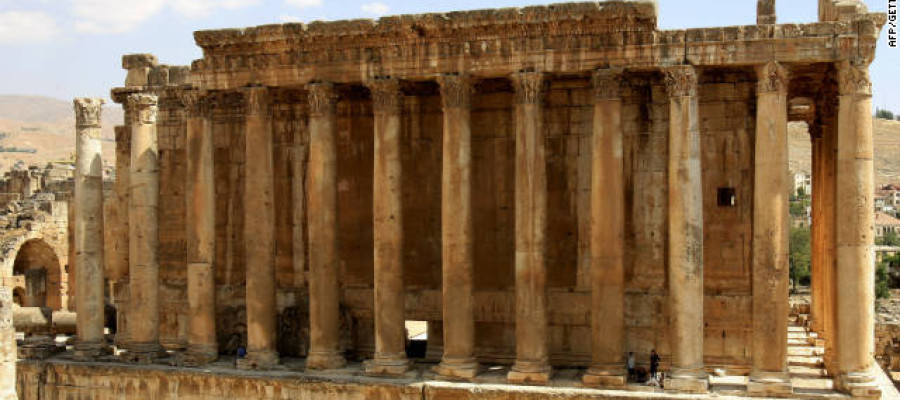 The mysterious ruins of Baalbek