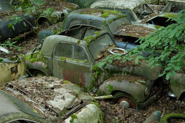 kaufdorf-car-graveyard-switzerland-14