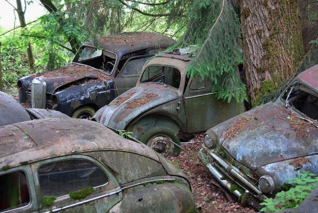 kaufdorf-car-graveyard-switzerland-16