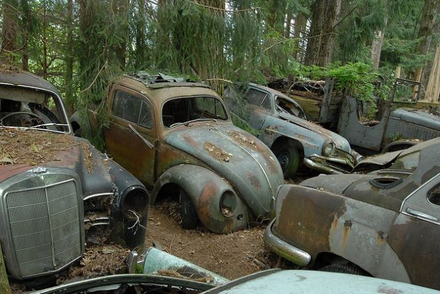 kaufdorf-car-graveyard-switzerland-8