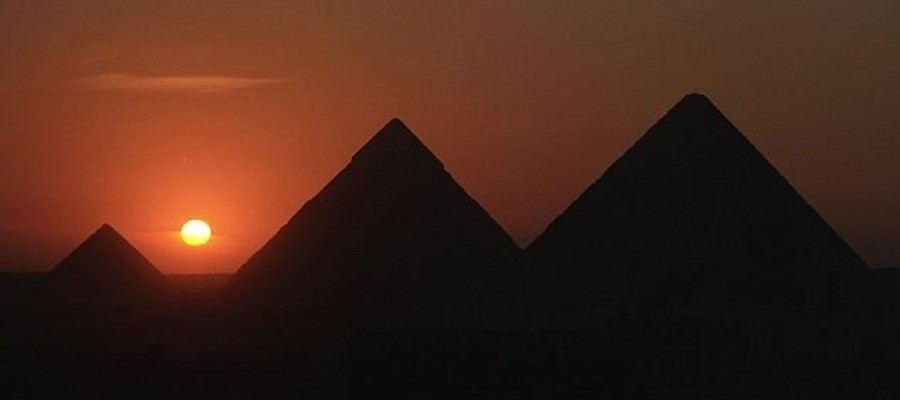 Experts to conduct new scans of the pyramids