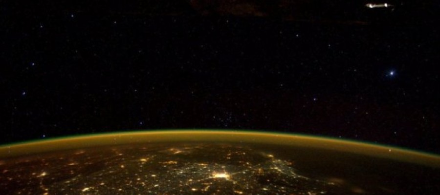 Astronaut tweets 'UFO' from the space station