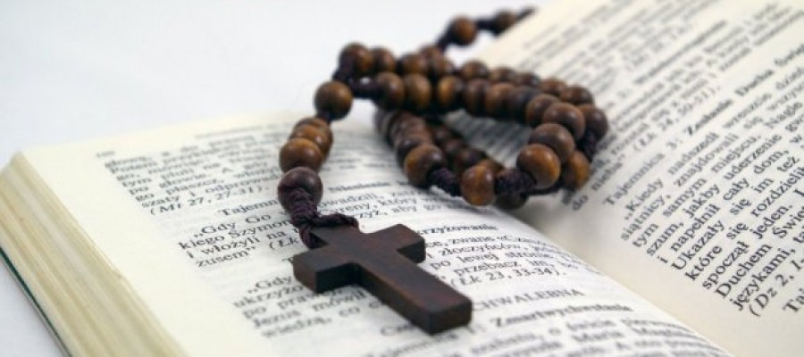 Secret notes found inside 16th century Bible