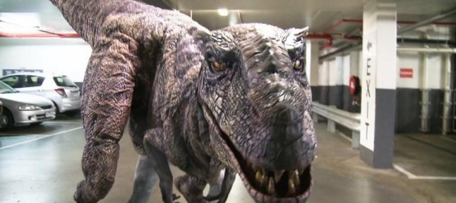 Pranksters deploy ultra-realistic dinosaur