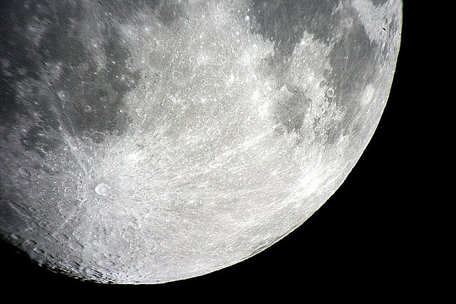 Moon, please don't go!