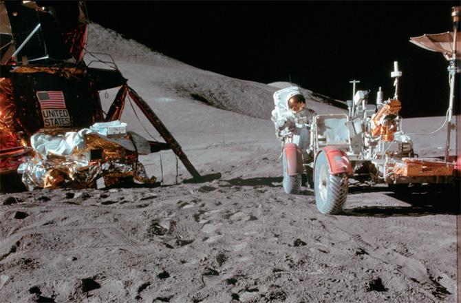 lunar-rover-10-130731