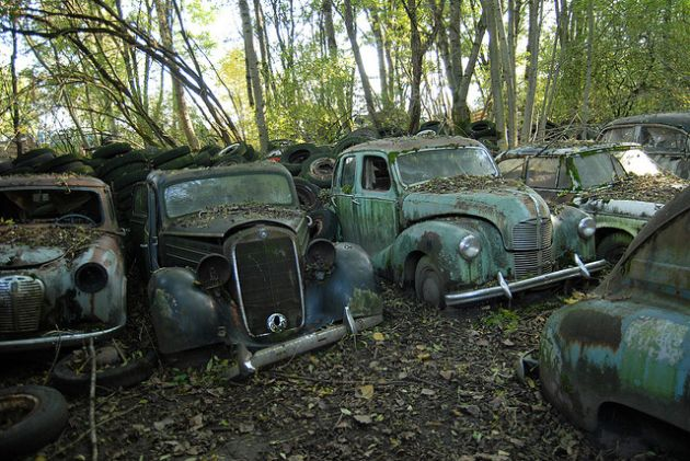 kaufdorf-car-graveyard-switzerland-10