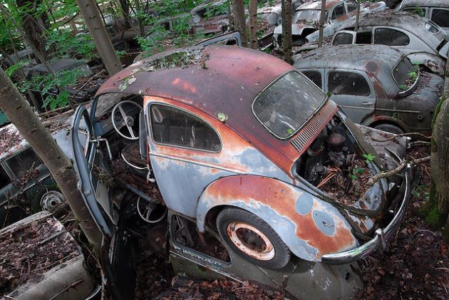 kaufdorf-car-graveyard-switzerland-21