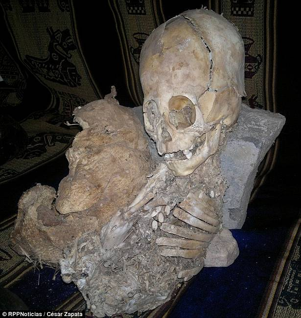 Alien Or Giant Skull Found In Peru